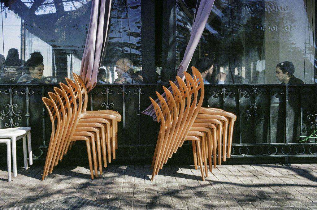 2019n009_3a_Restaurant With Stacked Chairs_Downtown San Diego
